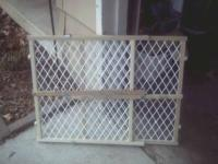 "Pet / kid gate for sale. 23""H X 26' to 42"" W. Like new"
