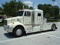 "Peterbilt "" The Ultimate King of Toters "" - 1996 330"