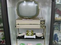 "Beautiful, vintage ""Siesta"" TV from 1959. Mint"