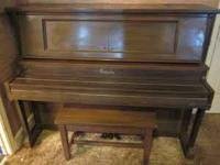 FOR SALE STRAUBE PIANO , NOT SURE WHAT AGE IT IS , DO