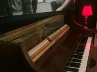 STUDIO UPRIGHT PIANO MINT CONDITION call or text for