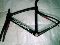 Pinarello Dogma F8 carbon fiber 1 year old and has no