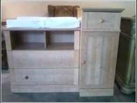 GREAT USED CONDITION! HAS DRAWERS, CABINET, AND COMES