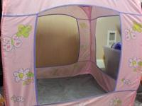 This pop-up style play tent is in excellent condition.