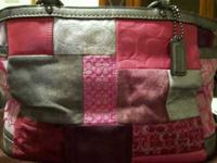 Beautiful bag, used maybe 3 to 4 times. In wonderful