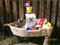 Little Tykes Pirate Water Table 2 years old in good