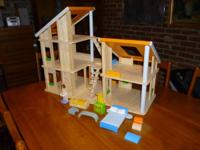Plan Toys/Plan Toy Chalet Dollhouse. Very excellent
