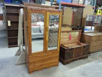 We are offering a beautiful and uncommon  full cedar