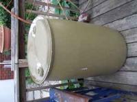 2 Plastic Barrels could be used for rainbarrel!! Not