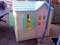LITTLE TIKES LARGE PLAY HOUSE... GOOD CONDITION... SEE