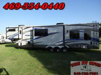 This great 40ft fifth wheel 2015 EverGreen Tesla 3970