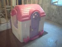 barbie playhouse excellent cond never been outside