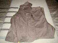 Bundle comes with 6 pairs of dress pants. Each piece is