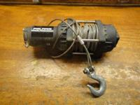 THIS WINCH DOESN'T WORK ANYMORE. EAISLY REPAIRALBLE.