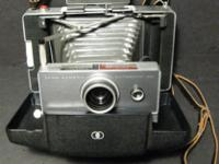 Classic 1963, Polaroid Land Camera automatic 100 with