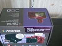 polaroid is1527w digital camera bundle features optical
