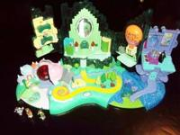 Vintage Polly Pocket WIZARD OF OZ Miniature Playset + 4
