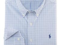 This trim-fitting dress shirt is expertly crafted from