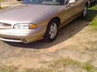 1999 Pontiac Bonneville with 164,000 with ice cold A/C