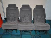 here is the 3 seats of pontiac montana 2nd row rear