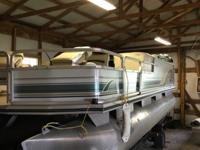 21 foot pontoon with trailer and Mercury 40 elpto
