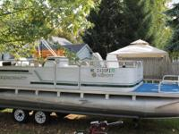 1994 20ft Pontoon Boat by Smoker Craft.  Has a 25HP