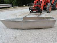 The heavy duty pontoon boat transom pod can handle up