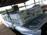 2001 Crest II 22 ft. With a 70 hp Evenrude and depth
