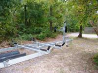 Galvanized pontoon boat trailor. Rated for a 20 to 24ft