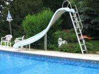 Fiberglass pool slide. Very good condition. Perfect for