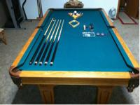 Beringer regulation size oak piece pocket billiard