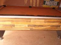 7ft pool table , 6 poolsticks and rack. 2 sets of