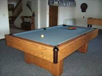 8' Pool Table with ball return, great condition, moving