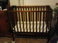 Delta Portable Crib in excellent condition.! It folds