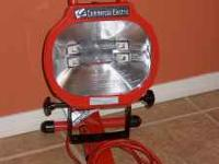 Commercial Electric Portable Work Light with two bulbs.