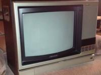Sony KV-1547R Trinitron color analog TV, with remote
