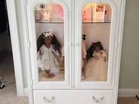 Young America by Stanley Furniture Glass Doll Chest:.