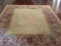 Beautiful Classic 8x10 pottery barn wool rug in red,