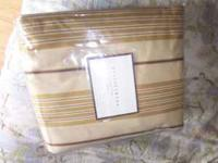 I am selling a Pottery Barn Irving drape rod pocket