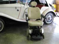 Jazzy Power Chair 1113 with ATS - new batteries