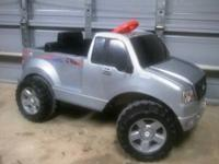 Power Wheels Ford F-150 Electric Truck Works great Good
