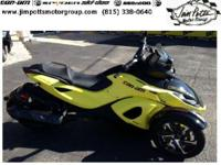 Pre-Owned 2014 Can-Am Spyder RSS in Yellow, Only 50