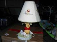PRECIOUS WINNIE THE POOH LAMP IN EXCELENT CONDITIONS N