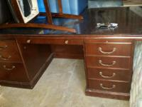 Type: BathroomType: Furniture I'm selling this desk for