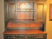 Virginia House Hutch/Buffet made in USA, mint