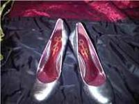I have 2 pairs of Jessica Simpson heels, only worn