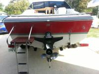 LAKE READY!!!!! 1988 Chaparral 19 foot Cuddy in good