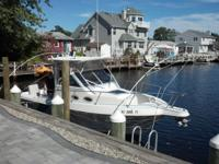 Well maintained 1995 Pro line walk around. Great vessel