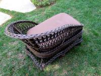 PRO PHOTO PROP BROWN WICKER BABY/CHILD POSING BED WITH
