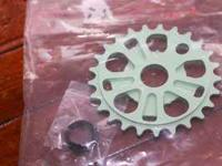 Brand new, still in the package PROFILE sprocket, 25